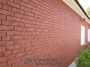 Сайдинг Красный кирпич. Пример оформления стены